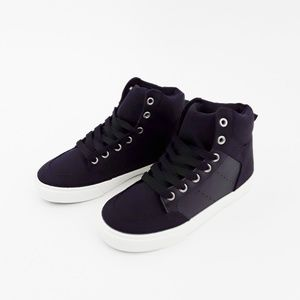 Gap Boys Classic Hi Top Sneakers Size 13